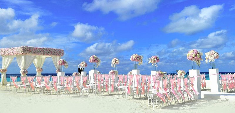 Featured Image 5 Tips for Choosing Wedding Decor 800x385 - 5 Tips for Choosing Wedding Decor